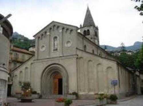 Chiesa_parrocchiale_Saint_Vincent