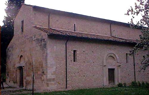 Capestrano, L'Aquila. Chiesa di San Pietro ad