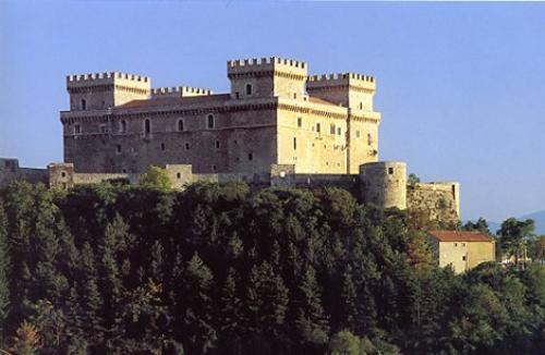 Castello Piccolomini