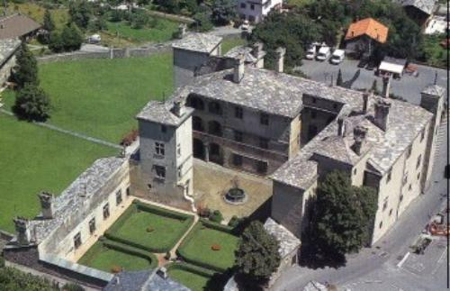 Castello_Issogne